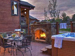6106 Bear Lodge, Trappeurs, Steamboat Springs
