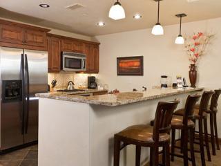 Emerald Lodge Kitchen - 5110
