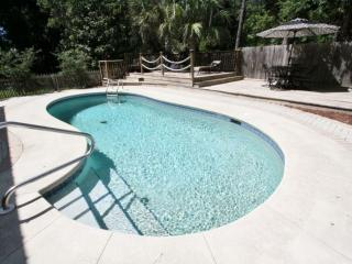 Privated Heated Kidney-Shaped Pool