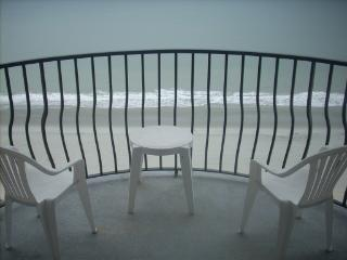 Palms 1605 Gorgeous View of the Grand Strand - 1-bedroom Oceanfront condo