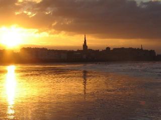 Le couché du soleil sur Saint-Malo