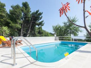 Villa With Pool And Garden For Relaxing Holidays!!