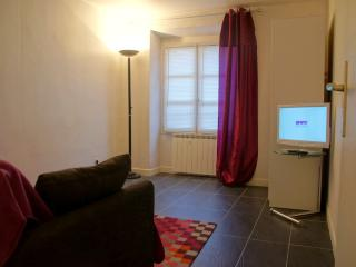Cosy studio few steps from Paris