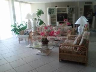 Comfortable beachfront unit in lovely gated Resort on the beach, Isla Marco