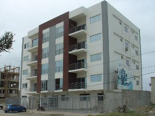 Spacious NEW Salinas Apartment, 3 blocks from beac
