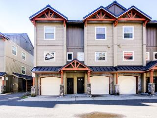Upscale mountain lodge condo with shared pool, hot tub, & sauna!, Government Camp