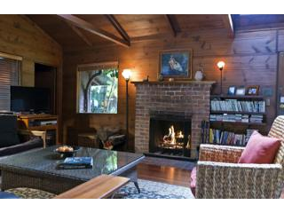 Casa Luna, Fireplace, Cozy River Cabin