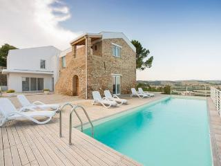 villa Renzo oasis of peace few minutes from the adriatic coast and national park