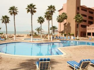 Beachfront Paradise- Marina Pinacate 404, Sleeps 6