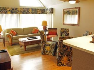 Tastefully Furnished and Decorated Condo-1 Block to Beach 18371, Myrtle Beach