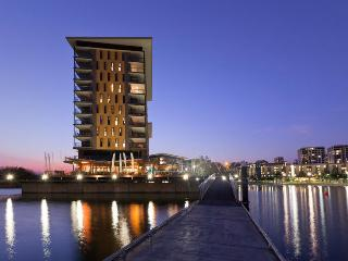 Darwin Waterfront Luxury Suites - 2 Bed Sleeps 5