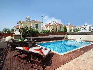 2 κρεββάτι βίλα με πισίνα, παραλία νησί, Ayia Napa