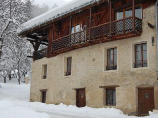 Sharples guest house - Catered chalet in french alpes/From £299.00pppw BookNow, Montalbert