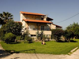 Jacaranda-Apartments 1, Svoronata