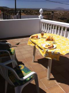Relax on your sun terrace-with your own Tapa !