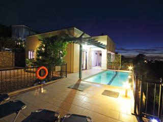 ELECTRIC HEATED POOL 26-28`C VILLA IN ALMYRIDA