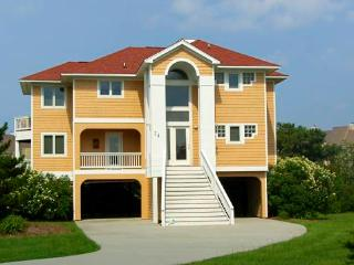 Canalfront 4BR w/ dock space - Rudder Village #24, Manteo
