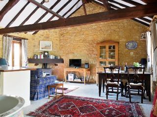 Haybarn, cosy Gite rental for 2, Dordogne, Peyzac-le-Moustier
