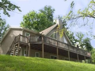 Vflyer is a spacious Lakeview Vacation Home at Deerfield Resort on Norris Lake.
