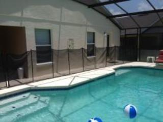 Pool with Screen