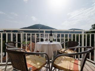 Villa Mar - Two-Bedroom Apartment with Balcony