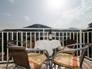 Villa Mar - Two-Bedroom Apartment with Balcony, Dubrovnik