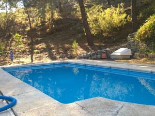 Chalet de montaña con piscina privada en Parque Calar del Río Mundo, Riópar