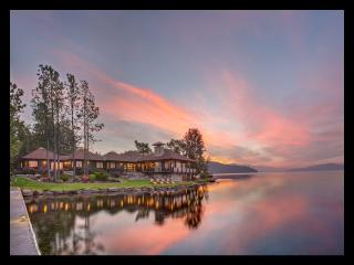 Gorgeous, 360' Private Waterfront, Now Sleeps 16!, Sandpoint