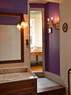 Salle de bain de la Suite Séquoia - Castel d'Orquevaux