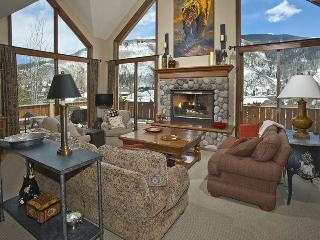 Featuring world-class views of Vail Mountain, this gorgeous 5 bedroom Vail vacat