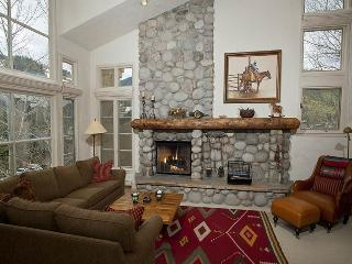 You`ll totally enjoy four seasons of fun on Beaver Creek Mountain from the vantage of this fully equipped Beaver Creek vacation townhome at 365 Offerson Road.