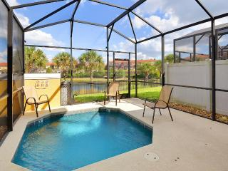 Affordable town home with 4 bedrooms, lake view, only 3 miles from Disney