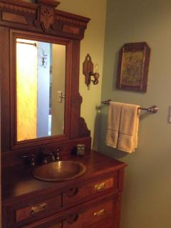 Upper level bath with shower