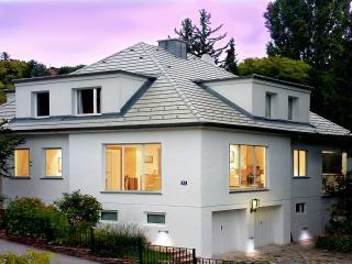 Weiße Villa Design Apartment, Baden, Österreich
