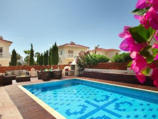 "Villa Loreana ""short walk from Nissi Beach"", Ayia Napa"