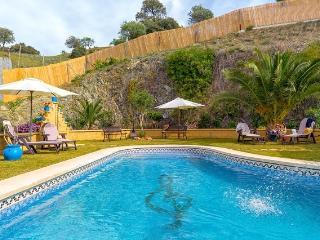 Villa de lujo con piscina, mini golf, vistas etc, Carratraca