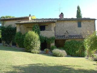 San Gregorio beautiful villa for 6 in Umbria, Solfagnano
