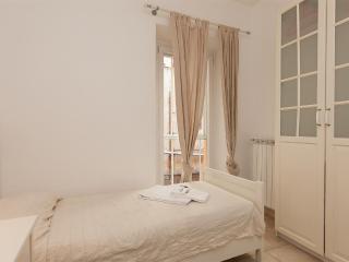 Calderari Balcony Apartment, Rome