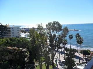 Studio frontline with views to the marina, Marbella