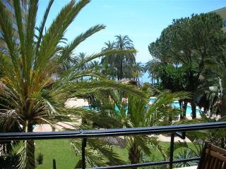 Skol frontline beach sea views 2 bedroom, Marbella