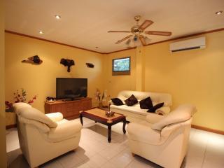 Lovely 3 Bedroom Villa at Pratumnak-New Nordic 09, Pattaya