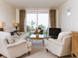 Double Star, 5* apartment at Hawkes Point, Carbis Bay