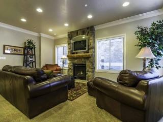 Snowbasin View Huntsville Condo | Luxury 4 Bedroom | Lakeside Unit 43
