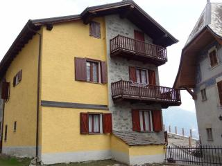 Apartment in the center of Brusson, perfect for families.