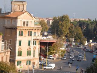 La Luna alla Finestra - Roma, Rome