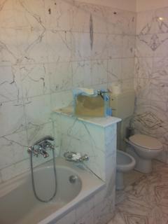 bagno in marmo di Carrara