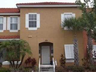 Resort community 3 bed Town home with private spa, Kissimmee