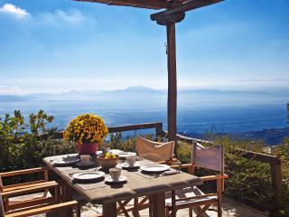 PELION HOMES | Villa ALONAKI cosy & traditional