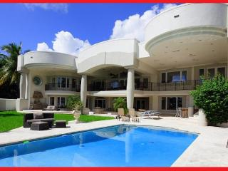 Owner SPECIAL!! LUXURY MANSION Sleeps 20!, Hollywood