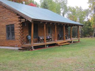 Time Out Log Home near Pictured Rocks! Sleeps up to 14!